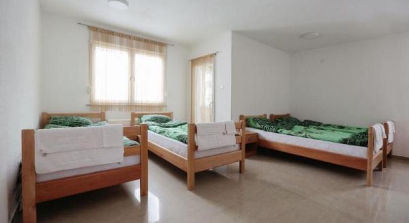 eM Hostel - Četverokrevetna br.4 - Banjaluka
